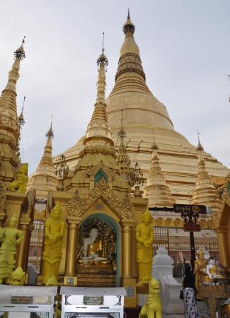 Two Travel The World -  Yangon and the Shwegadon Pagoda