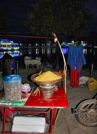 Two Travel The World - Hpa An - Night Market